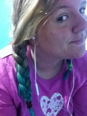 Dip dyed my hair turquoise! Like for morning makeup!