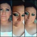 Verde Esmeralda Y Dorado