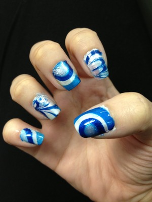 After many unsuccessful attempts, this is my first successful attempt at doing water marbling nails :)