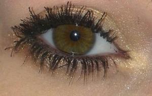 An easy golden metallic look!