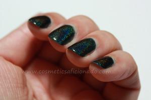 http://www.cosmeticsaficionado.com/2012/01/glitter-gal-3d-holographic-polish-in.html