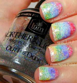 A loose glitter gradient for Pixi Stix nails