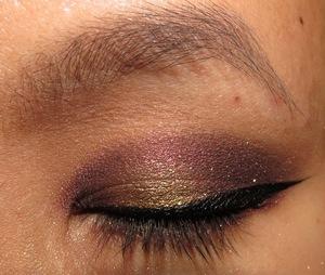 http://portraitofmai.blogspot.com/2012/05/gilded-velvet-vampire-eotd.html