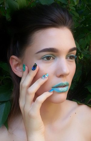 Look 2 of 4 for a beauty editorial. Hair|Makeup|Nails by me. You can find these beautiful nail wraps at shopncla.com. The model is wearing Peacock. Please follow me on IG for more bts pictures and to see the final publication ---> @muatiffanyg