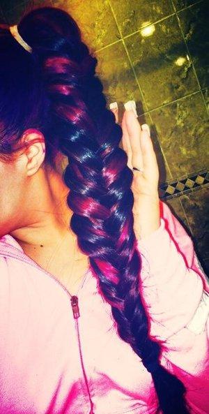 Yes I have a little purple dye on my ear lol oops! ❌⭕️❌⭕️ Follow me on IG! @queenkeeee