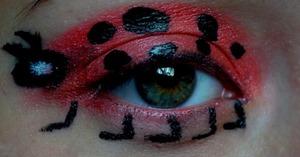 http://xoxopatty.blogspot.sk/2012/08/creative-makeup-ladybird.html