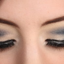 Black Cut Crease Smokey Eye Makeup