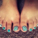 teal blue toes