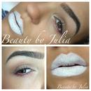 Rainbow Mascara & White Lips