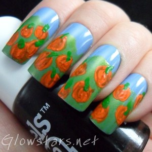To find out more about this mani visit http://glowstars.net/lacquer-obsession/2012/10/pumpkins