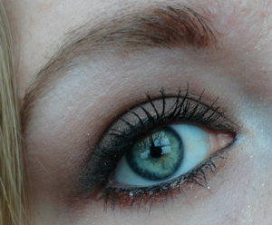Using Maybelline The Rock Nudes palette and Color Tattoo Crayon in Creamy Chocolate