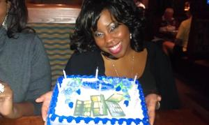 Check out the cake !!!! My best friends had them print makeup palettes on the top YAAAY :D