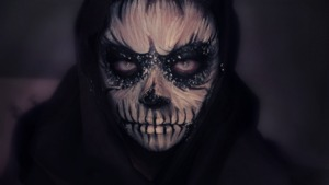 Some skull makeup I did for Halloween.  I wanted it to look like a painting.  Tutorial here: http://www.youtube.com/watch?v=TYKPhhQGgxs&feature=c4-overview&list=UU4_I3wwF9lv_q3nCeEdPXaw