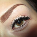 Simple Winged Liner & Defined Brows