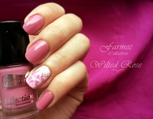 http://roxy-ch.blogspot.ro/2014/01/farmec-wilted-rose.html