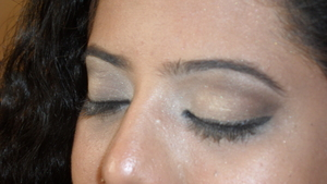 Smokey Eyes with heavily kohl eyes