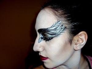 http://leadingladymakeup.com/2011/01/17/black-armenian-swan/