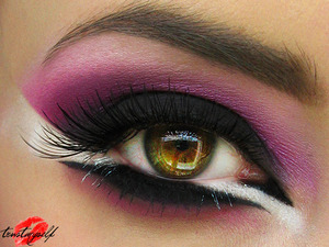 More here: http://trustmyself-make-up.blogspot.com/2012/05/wrzuc-roz-rozowy-tydzien.html