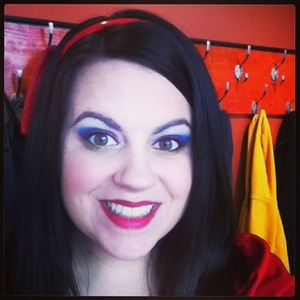 It snowed last night so i figured i would do a SNOW white look today