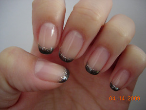 Dark grey and silver glitter tips