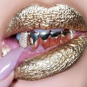 Can somebody PLEASE tell me how to achieve this lip.??