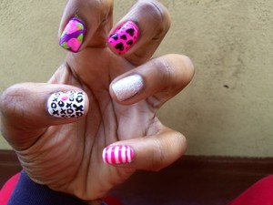 Valentines Day Nails, no red, always seems to stain my nail -__-