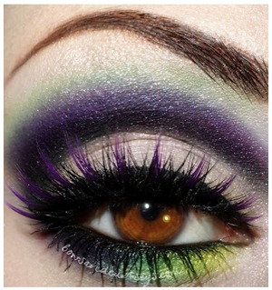 A colorful creation from Ronnie of Bows and Curtseys featuring our VIOLET NOIR lashes! Check out her full post here: http://www.bowsandcurtseys.com/2012/08/wild-wonders.html