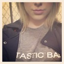 Bomber+Tee+Pout.