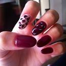 """""""Wine"""" nails"""