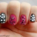 Polka dots pink accent nails