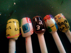to go back to school, so i designed these cute back to school nails. hope ya'll like them
