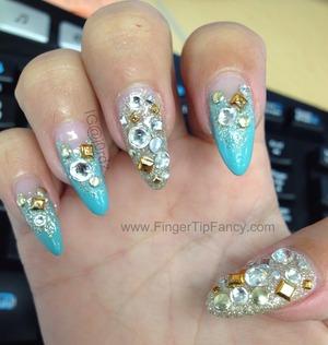 FOR DETAILS GO TO:   http://fingertipfancy.com/breakfast-tiffanys-nails
