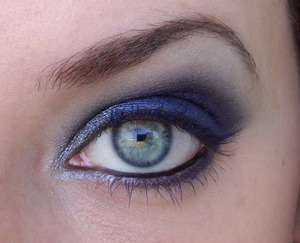 I made this look with the Sleek Bad Girl palette, and blue lashes!