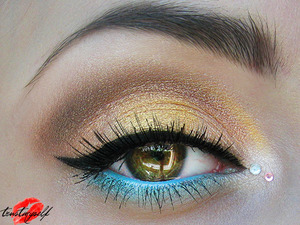 More here: http://trustmyself-make-up.blogspot.com/2012/05/for-benefit-with-love.html