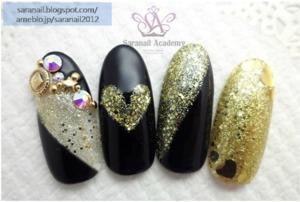 http://saranail.blogspot.kr/2014/01/china-glaze-nail-polish-blonde.html