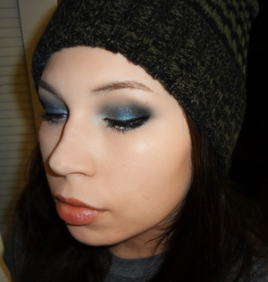 Perty perty dark lid- reminds me of a starry night sky :)