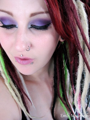 Purple eyeshadows from the 120 palette from manly  http://trickmetolife.blogg.se