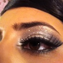 sparkly eyes with lashes