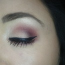 wine smokey eye