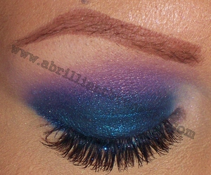 http://www.abrilliantbrunette.com/2012/01/blue-and-purple-wet-n-wild-eyes.html