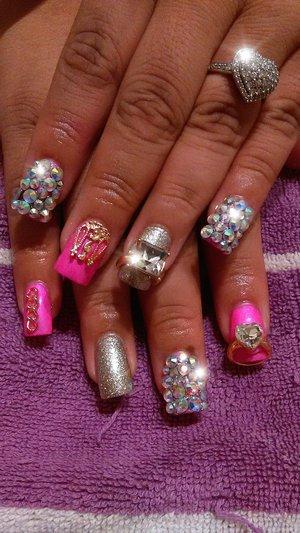 Nails pretty crystals