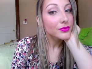 Spring/Summer trend... Bronzed skin, neutral eye makeup, and BOLD lips!