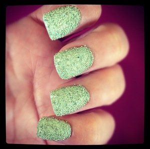 Love this 3D Look created with California Nails Caviar Pearls