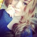 Curled blonde hair!