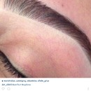 how do i achieve this eyebrow look??