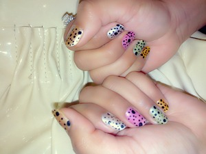 a cute marbel design on nails