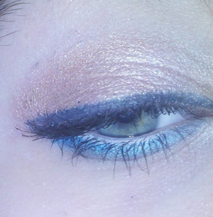 """""""Oceananic Bronze"""" Another neutral look :)) with navy blue liner on top, and bright teal on the bottom :)"""