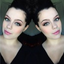 Neutral eyes and pink lippies