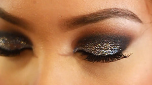 created for the holidays. view my tutorial on this look at  youtube.com/bbeautymarkd
