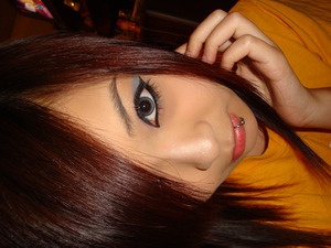 first time experimenting with gel liner. tried a look by Michelle Phan. =3